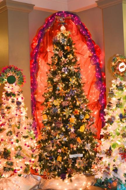 Kaua'i Festival of Lights - Trash to Treasure